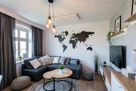 Cozy Apart ~ River View~Main Sqr~Self Check-in 24h