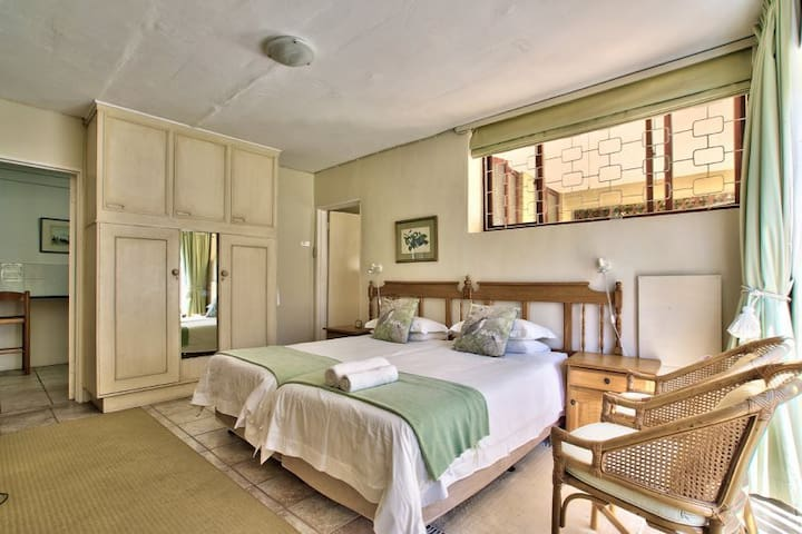 Leafy & Tranquil Valley Heights Pisa Suite - Cape Town - Daire