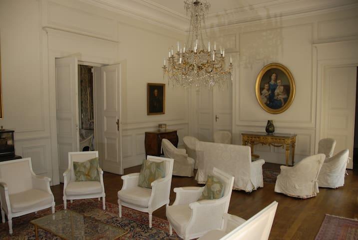 Château de famille à Seyre - Seyre
