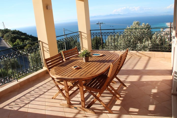 Maisonette with amazing view - Λευκάδα - Huis
