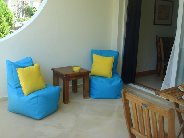1 BR apartment with pool - Faro - Appartement