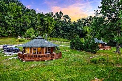 "Ozark Mountaintop Retreat - ""Redbud"" Cabin"
