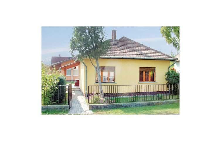 Holiday cottage with 2 bedrooms on 63m² in Balatonfenyves