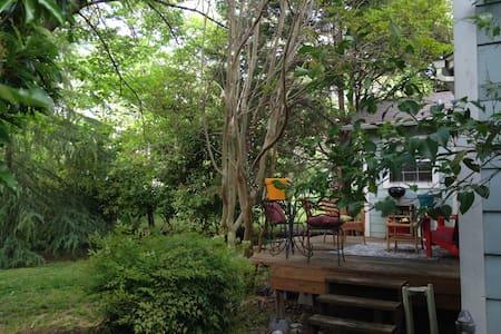 Top 20 dallas vacation rentals vacation homes condo for Lake cabin rentals near dallas