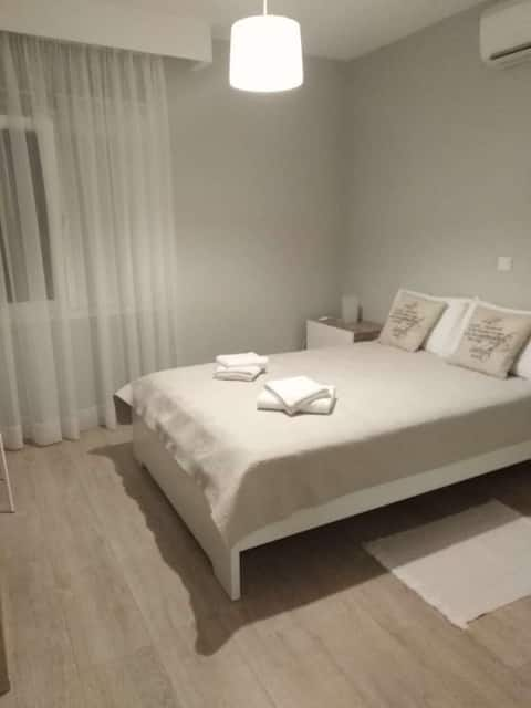 Stylish Private Room near ERA &Alfa Mega - Neapoli