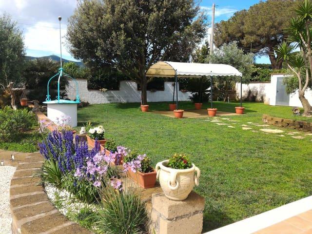 appartamento vicino al mare con ampio giardino - San Felice Circeo - Appartement