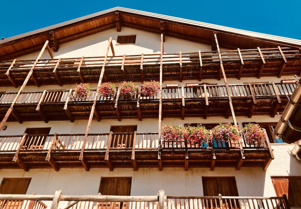 Balcony on 3rd floor with flowers