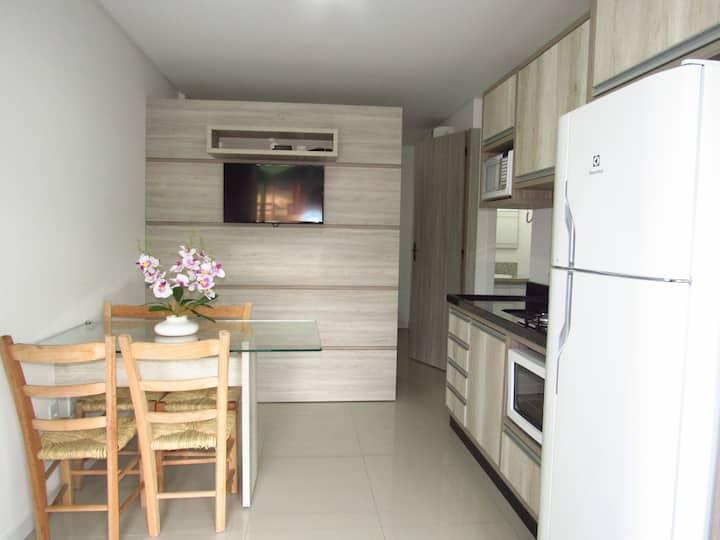 Cod 080 - Kitnet confortável para casal próximo a praia da Lagoinha em Bombinhas.