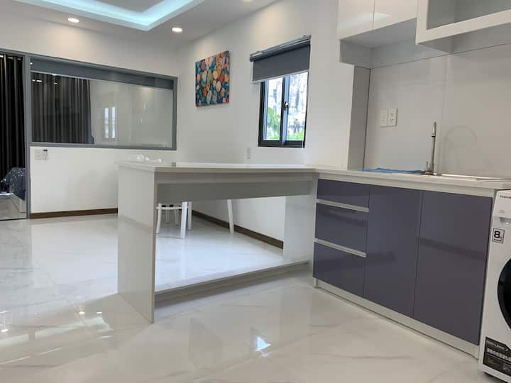 1-BR Apartment 50m2 near market in district 2