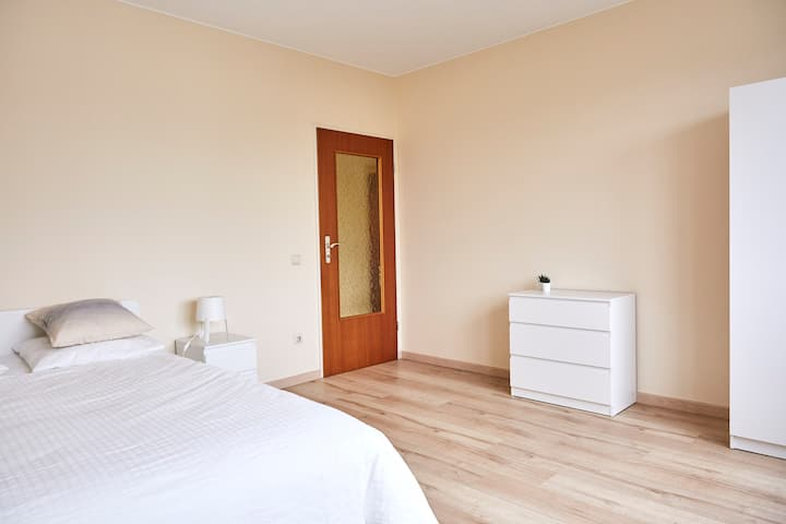 1 Spacious Room in a 120m2 app. in Lux-City Center