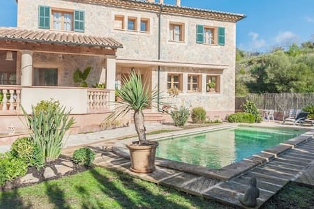 Can Blau, beautiful private home with all modern facilities. Stone House. - Puigpunyent