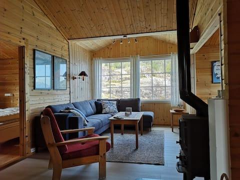 1. Haukanes Fjord cabins, cabin w/boat on Varaldsøy