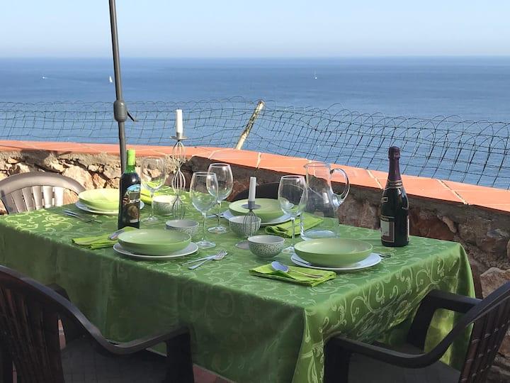 Villa en acantilado con acceso privado al mar