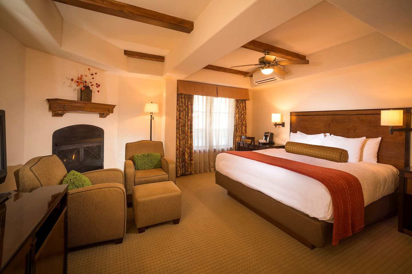 Get a good night's sleep in the plush king sized bed.