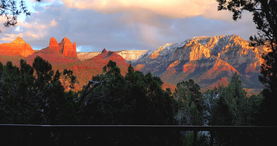 ACTUAL VIEW! Fabulous Sedona location; Super host