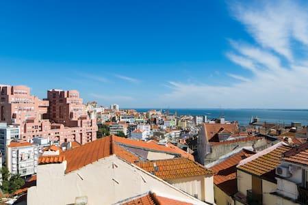 Fabulous views near Feira da Ladra - Lisboa