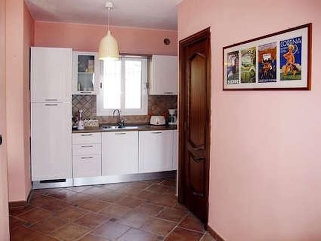 Villa in tranquilla  zona residenziale - Imperia - Hus