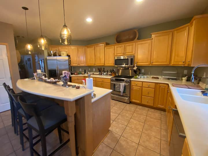 Bright, spacious home 10 minutes from Mayo Clinic.