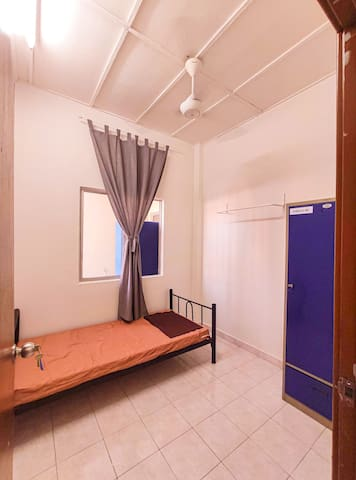 Nice room Lotus Apartment for female only