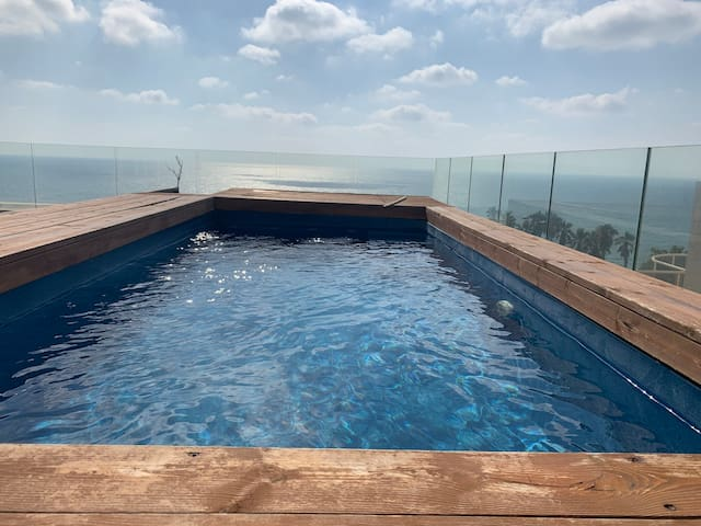 Netanya Beach With Private Pool, Awesome sea view