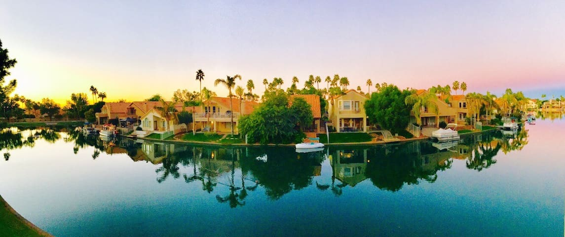 Beautiful Lakeside Apartment with Views! - Gilbert - Apartment