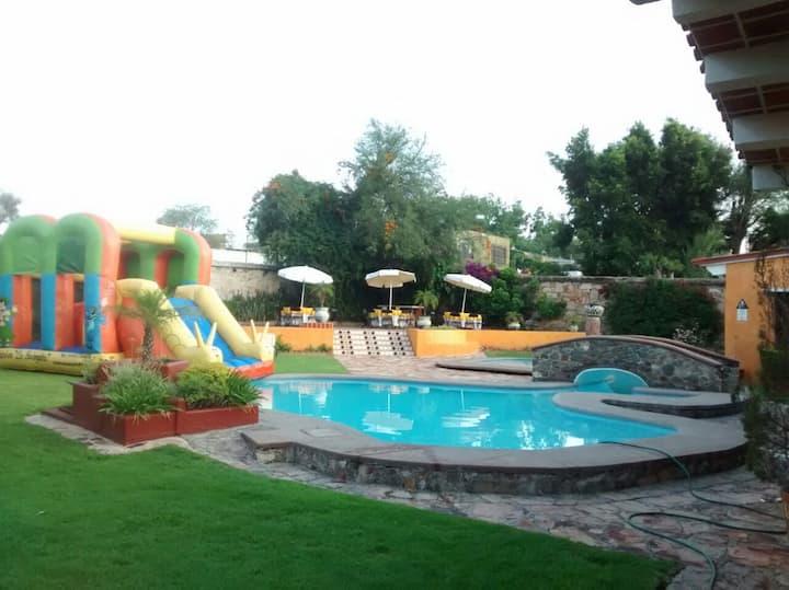 Casa Cobos, centro TX.15 p.min.Fines con Alberca