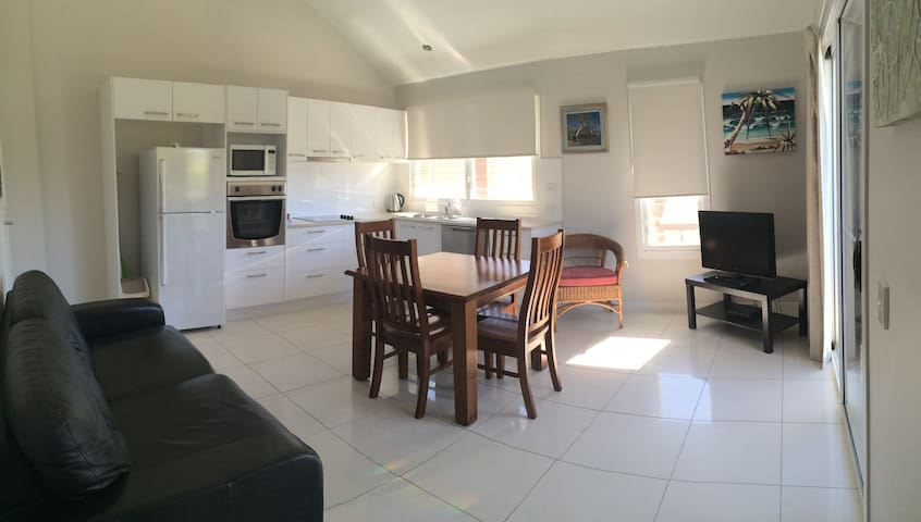 Garden View 2 B/Room Villa - pet friendly - Mooloolaba - Villa