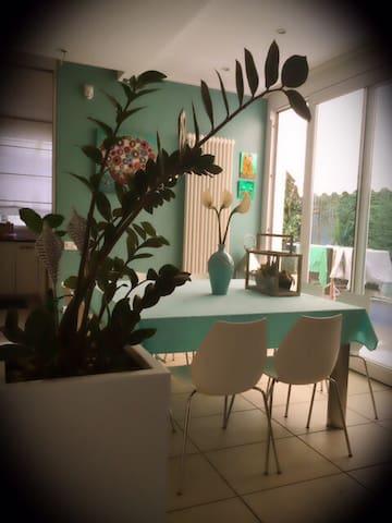 Bella mansarda con bagno privato - Marina Romea - 別荘