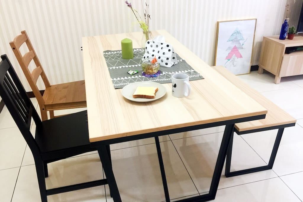 餐桌 Dining table