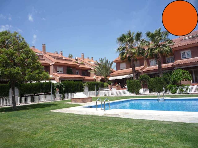 Summer House &  Pool + BBQ / Orange - Alacant - Casa