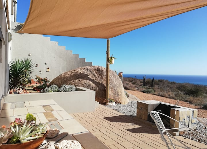 Albatross self-catering apartment with a view