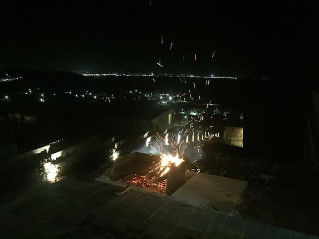 Asado en la terraza / Balcón del dto. Vista a Punta del Este