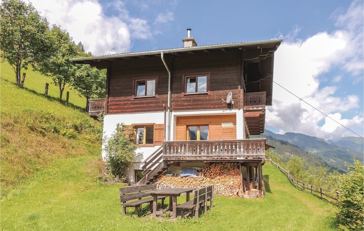Awesome home in Hüttschlag with Sauna, WiFi and 4 Bedrooms