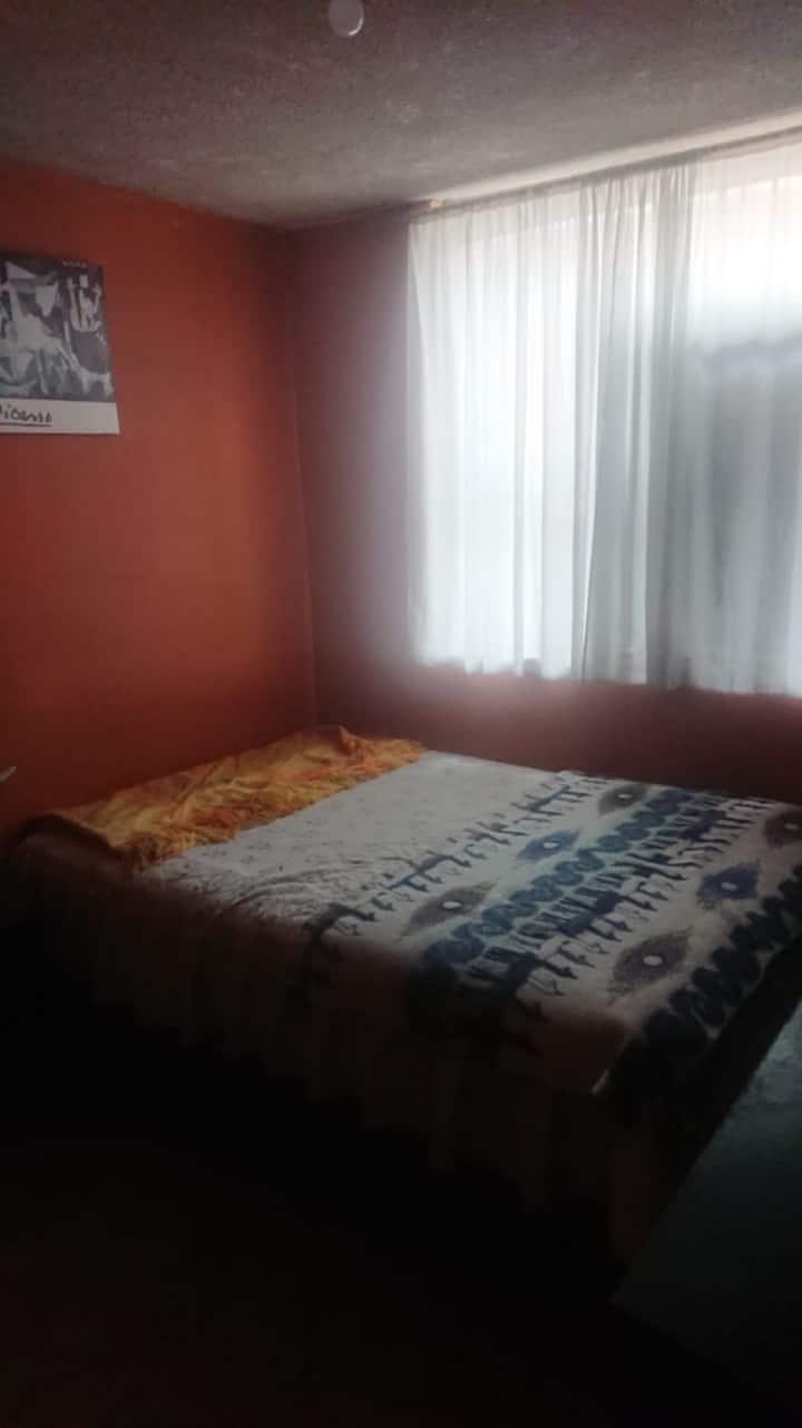 Habitación con baño privado! Limpia y confortable