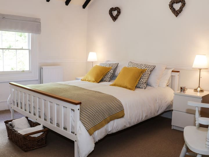 Grays Townhouse, elegant Ironbridge accommodation
