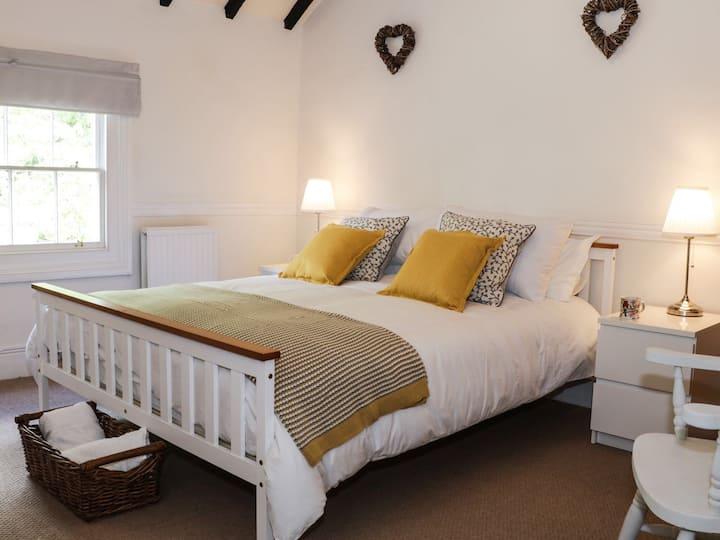 Grays Townhouse, elegant Ironbridge accommodation