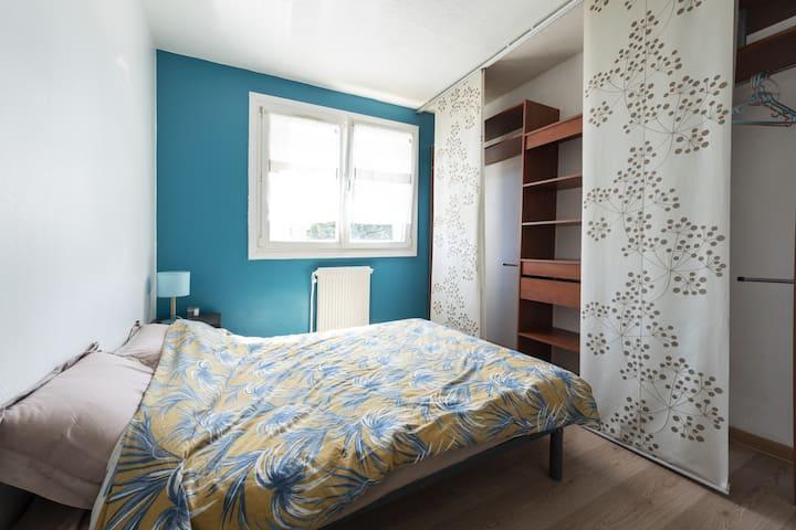 Enjoy a beautiful room.