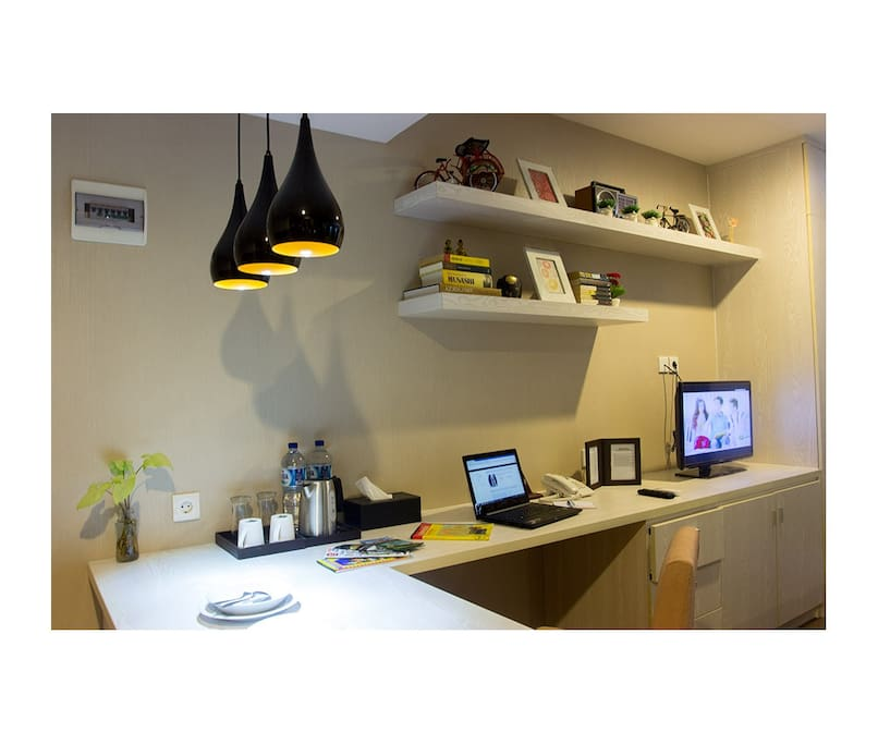 Laptop friendly workspace