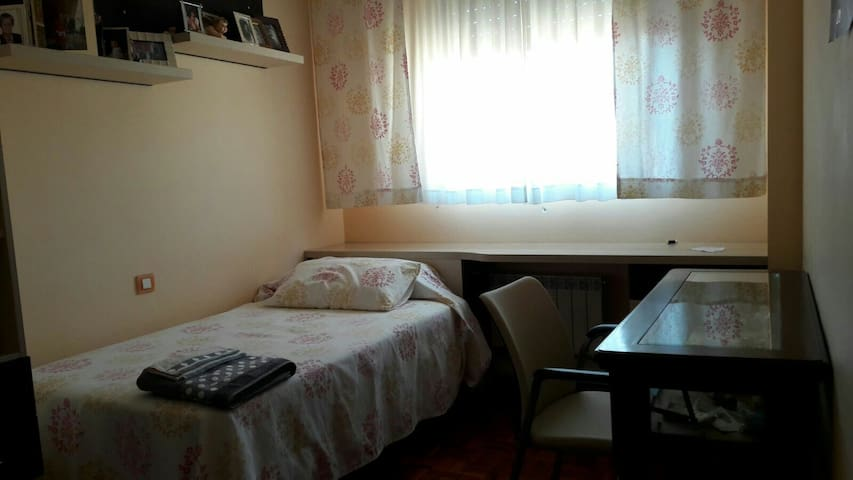 Dormitorio uso Airb&n.