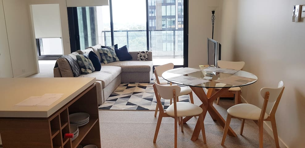 Gorgeous modern apartment in fantastic location