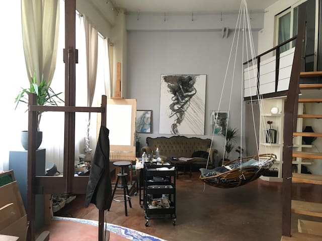 """""""Chez Mona-Lisa"""" Atelier d'artiste"""
