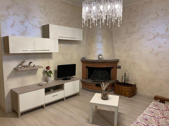 """"""" A CASETTA"""" Grazioso appartamento a Canino (VT)"""