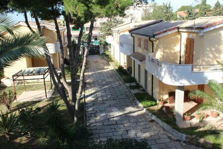Villa Dahlia-pochi passi Vendicari - Lido di Noto - วิลล่า