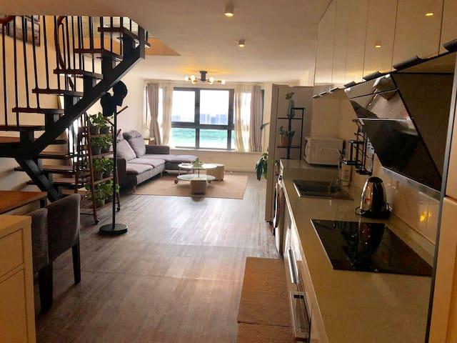 《我嘉有宿》智能家居、豪华装修、精品两室loft温馨大床房