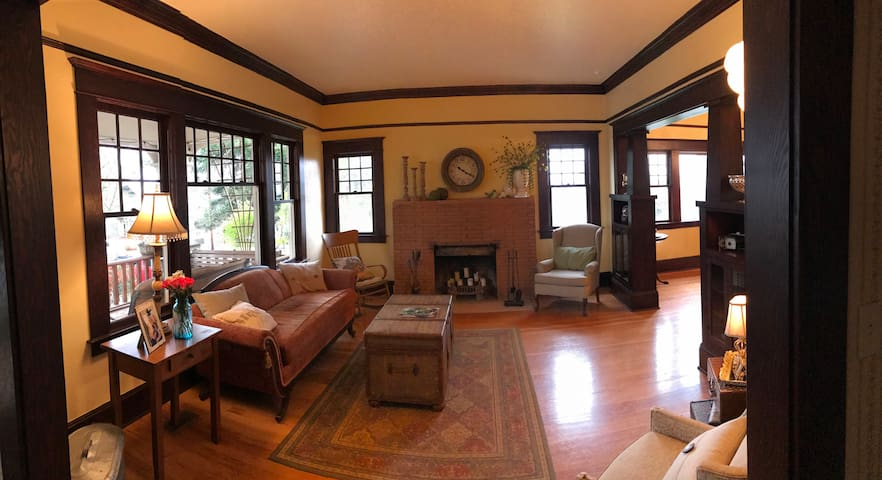 Charming Craftsman Bungalow in Path of Totality