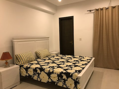Private AC Apartment with free Netflix