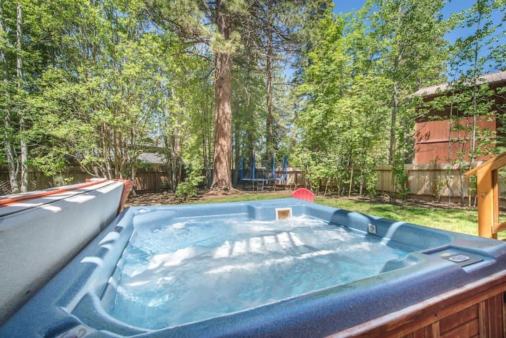 Family Friendly Home in Dollar Point with Hot Tub!