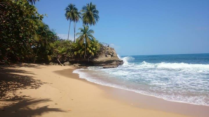 Cozy Beach Villa