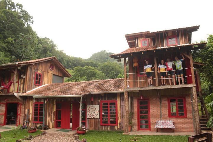 Quinta da Gávea Hostel (Chalé) - Rodeio - Chalet