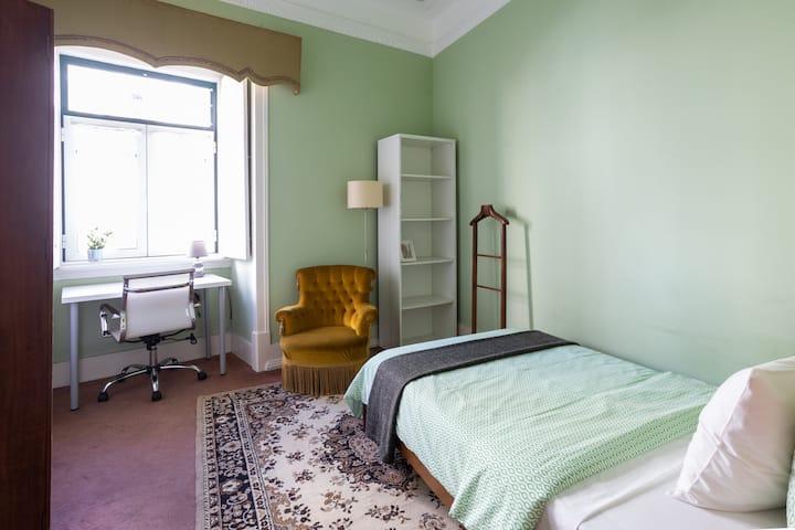 Green Bedroom -STUDENTS
